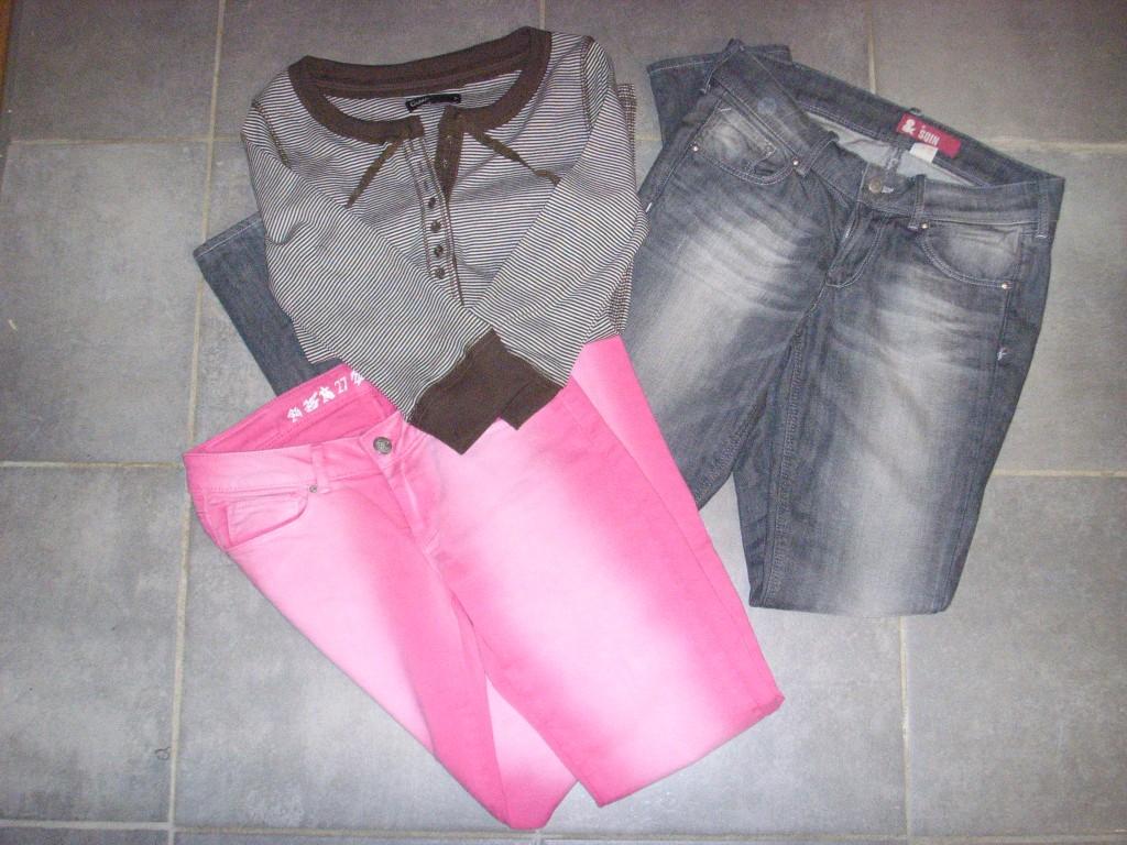 Grå bukse fra H&M, Rosa bukse fra Bokbok og Genser fra Cubus
